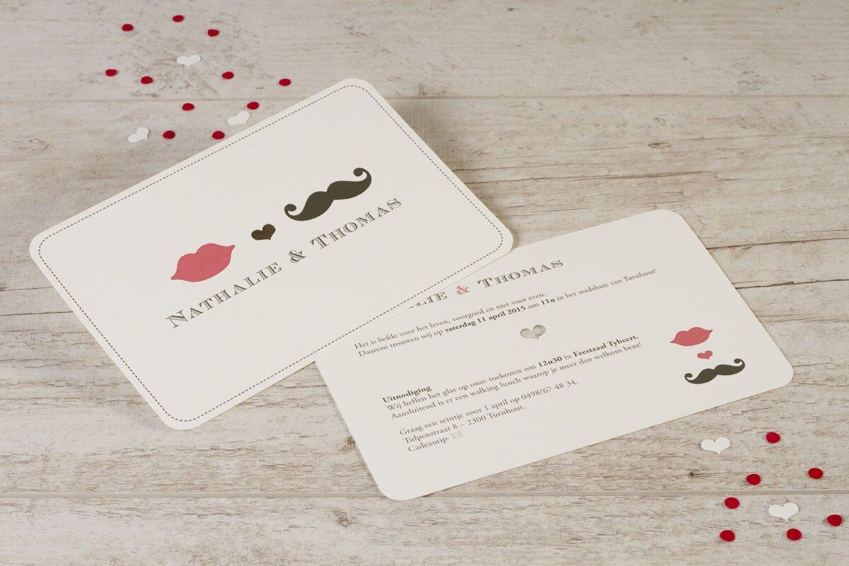 speelse-kaart-met-lip-en-snor-TA0110-1400023-15-1