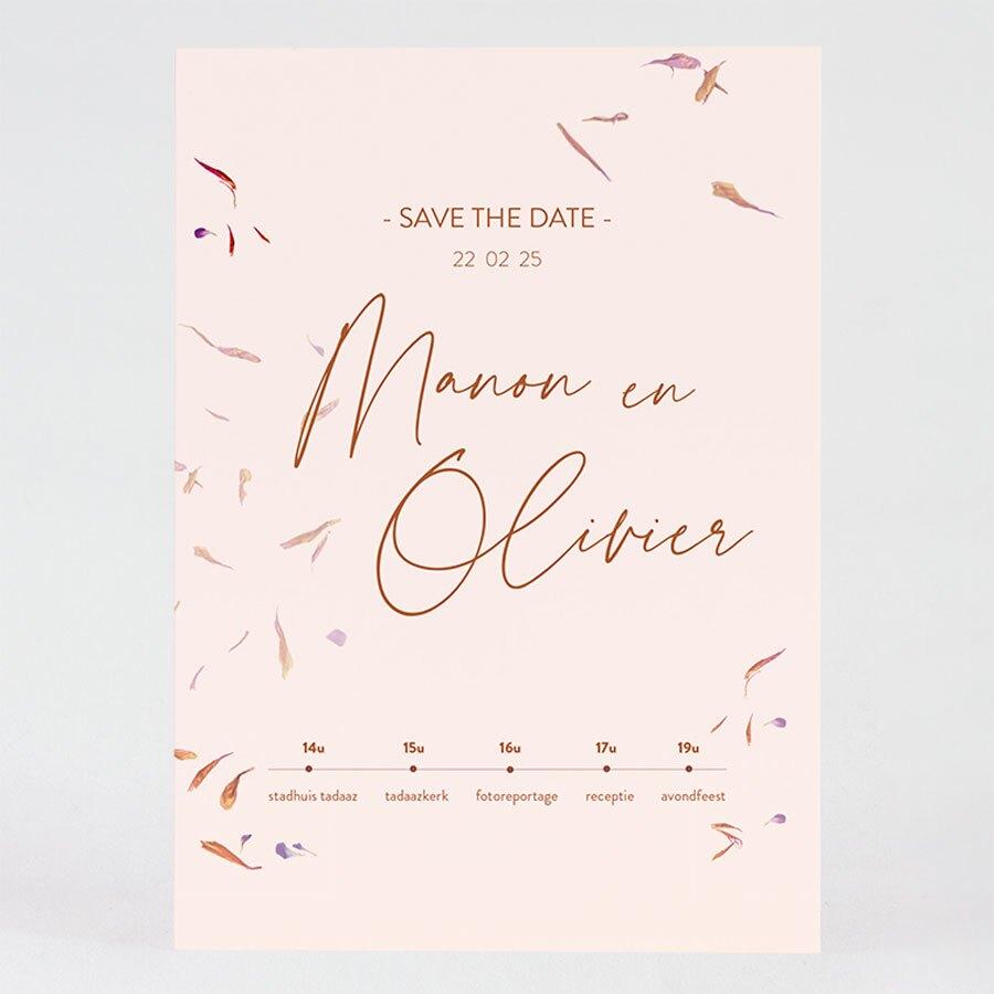 grote-trouwkaart-roze-met-dwarrelende-bloemblaadjes-TA0110-2000043-03-1