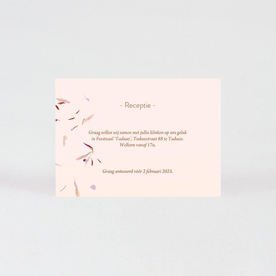 roze-receptiekaartje-dwarrelende-bloemblaadjes-TA0112-2000018-03-1