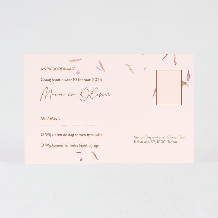 roze-rsvp-kaartje-met-bloemblaadjes-TA0116-2000007-03-1