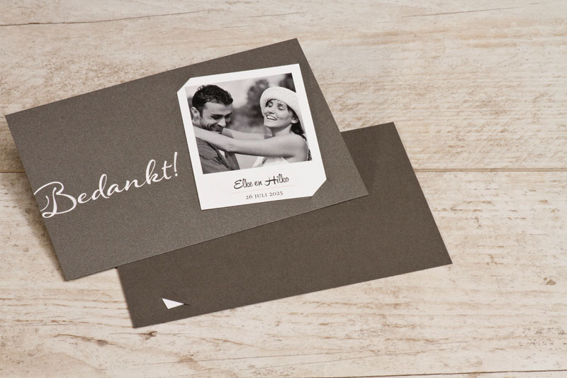 stijlvol-huwelijksbedankkaartje-zilver-met-polaroid-foto-TA0117-1700008-15-1
