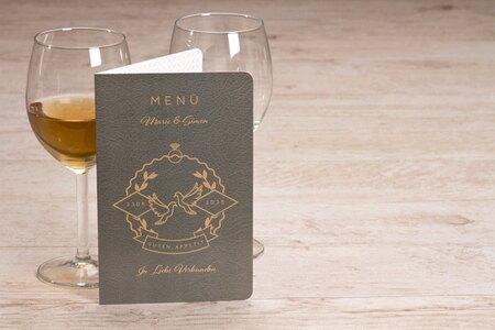 menuekarte-passport-mit-tauben-TA0120-1900010-07-1