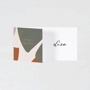 braun-gruene-tischkarte-mit-konfettis-TA0122-2000005-07-1