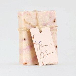 roze-zeeplabel-met-dwarrelende-bloemblaadjes-TA0155-2000014-03-1