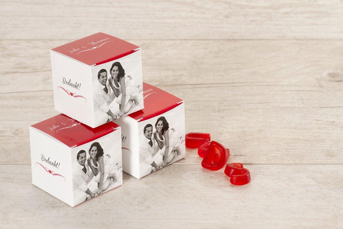 kubusdoosje-rood-met-eigen-foto-hartje-en-krul-TA0175-1500018-15-1