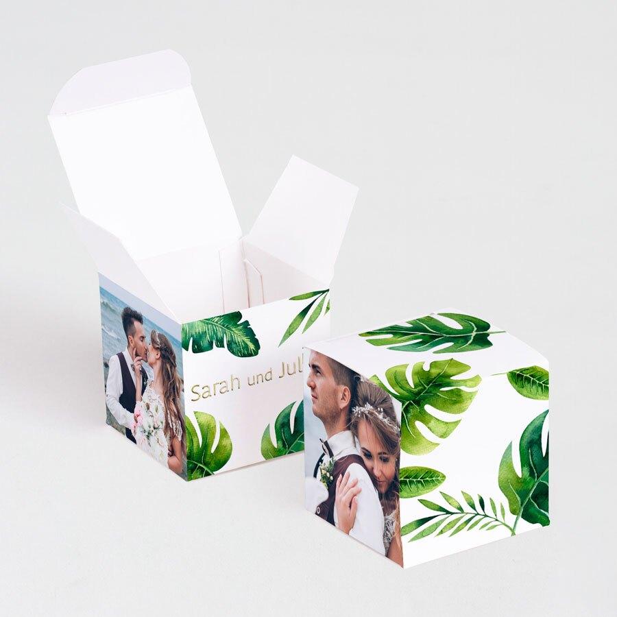 abenteuerliche-geschenkboxen-mit-goldfolie-und-gruenen-tropenblaettern-TA0175-1900024-07-1
