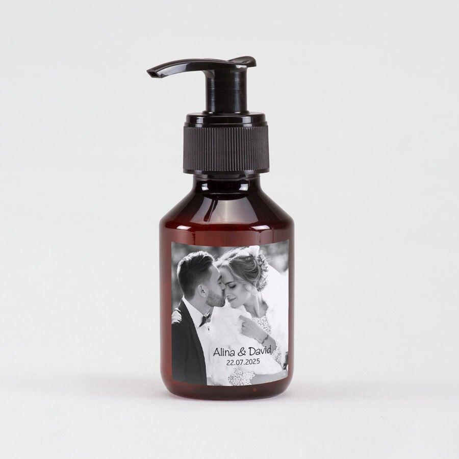 sticker-autocollant-pompe-a-savon-vintage-photo-black-white-TA01905-2000002-09-1