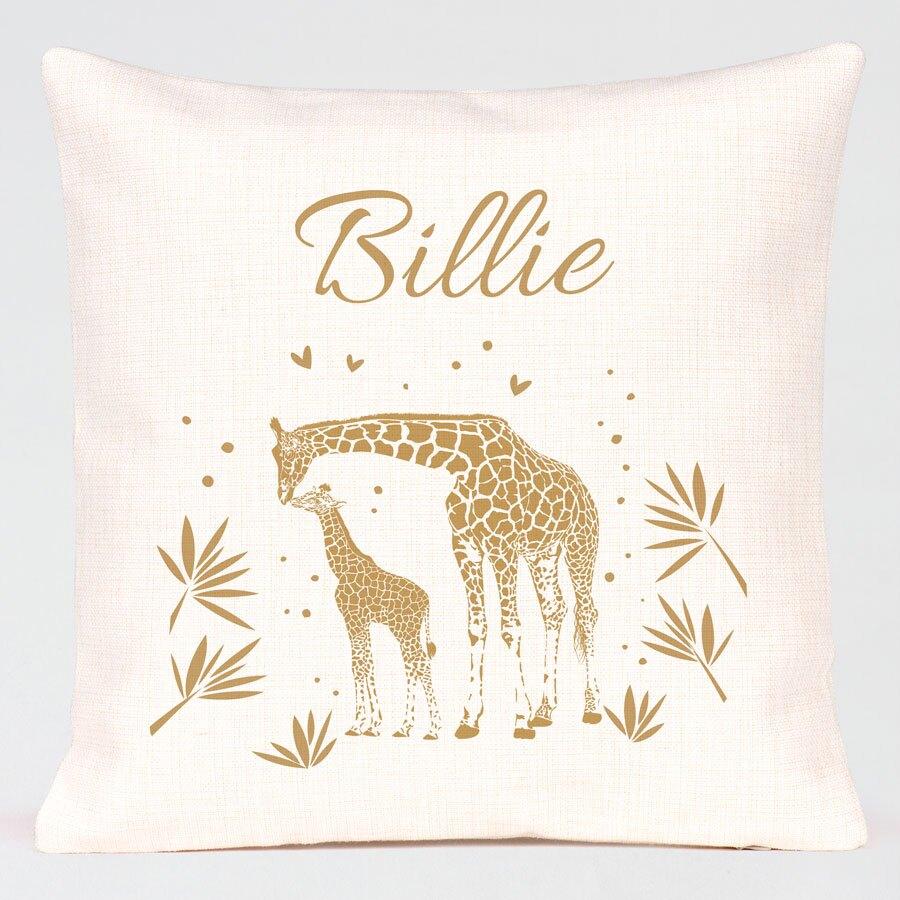 kussen-met-naam-en-giraffen-TA05944-2000004-15-1