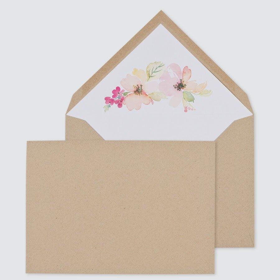 enveloppe-effet-kraft-et-fleurs-aquarelles-22-9-x-16-2-cm-TA09-09090201-09-1