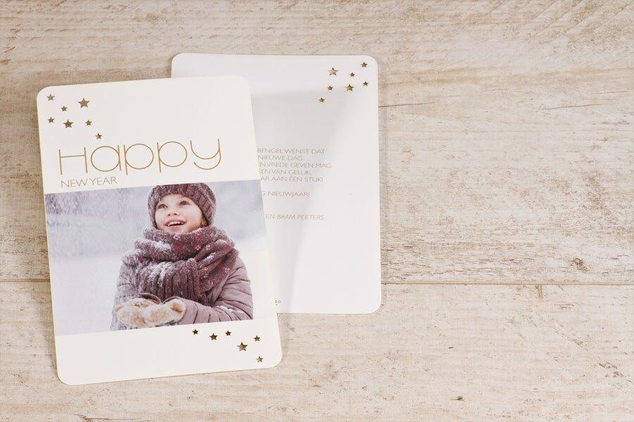 stijlvolle-nieuwjaarskaart-met-uitgesneden-sterretjes-TA1188-1800014-15-1