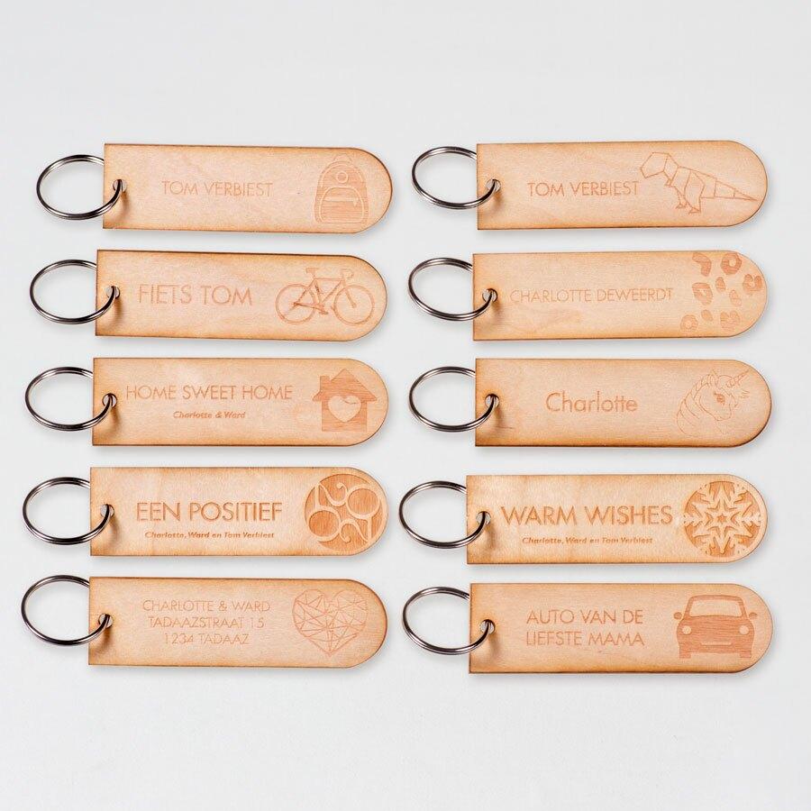 set-van-10-houten-sleutelhangers-TA11937-1900001-15-1