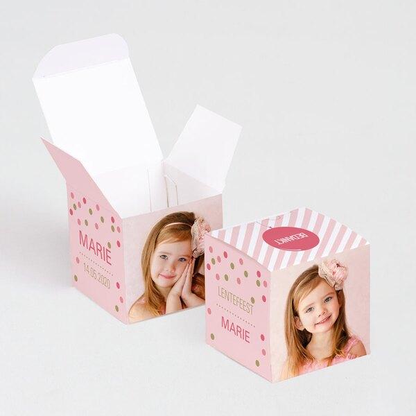 roze-kubusdoosje-met-confetti-en-eigen-foto-s-TA1223-1600013-03-1