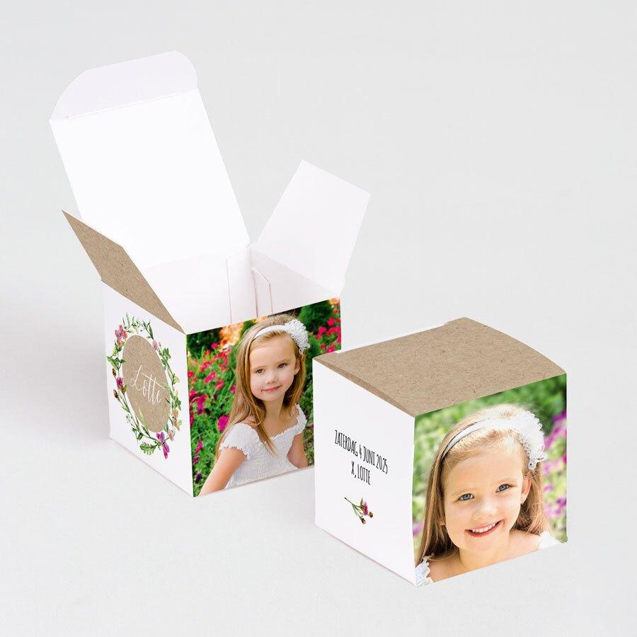 kubusdoosje-met-bloemenkransje-en-foto-s-TA1223-1700011-03-1