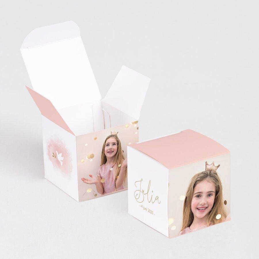 roze-kubusdoosje-met-wit-duifje-TA1223-1800016-03-1