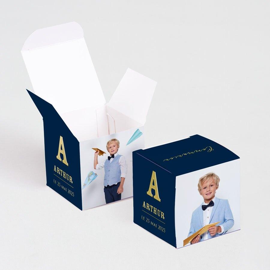 contenant-a-dragees-communion-cube-initiale-en-dorure-et-photo-TA1223-2000009-09-1