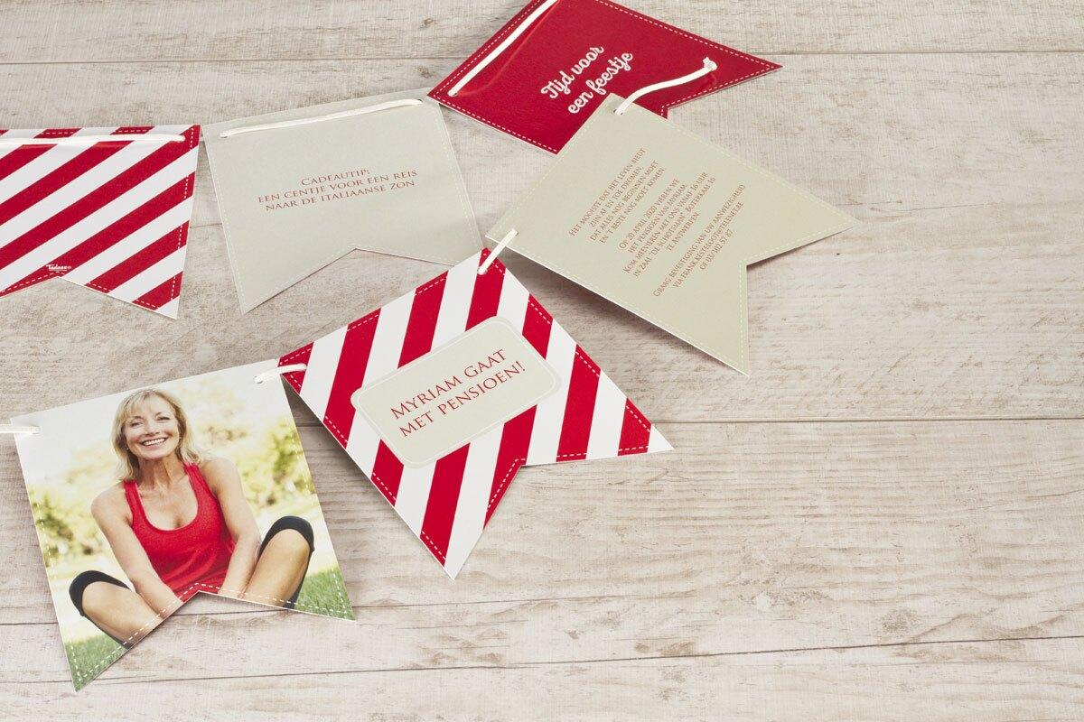 speelse-vlaggenkaart-met-diagonale-strepen-TA1327-1500010-15-1