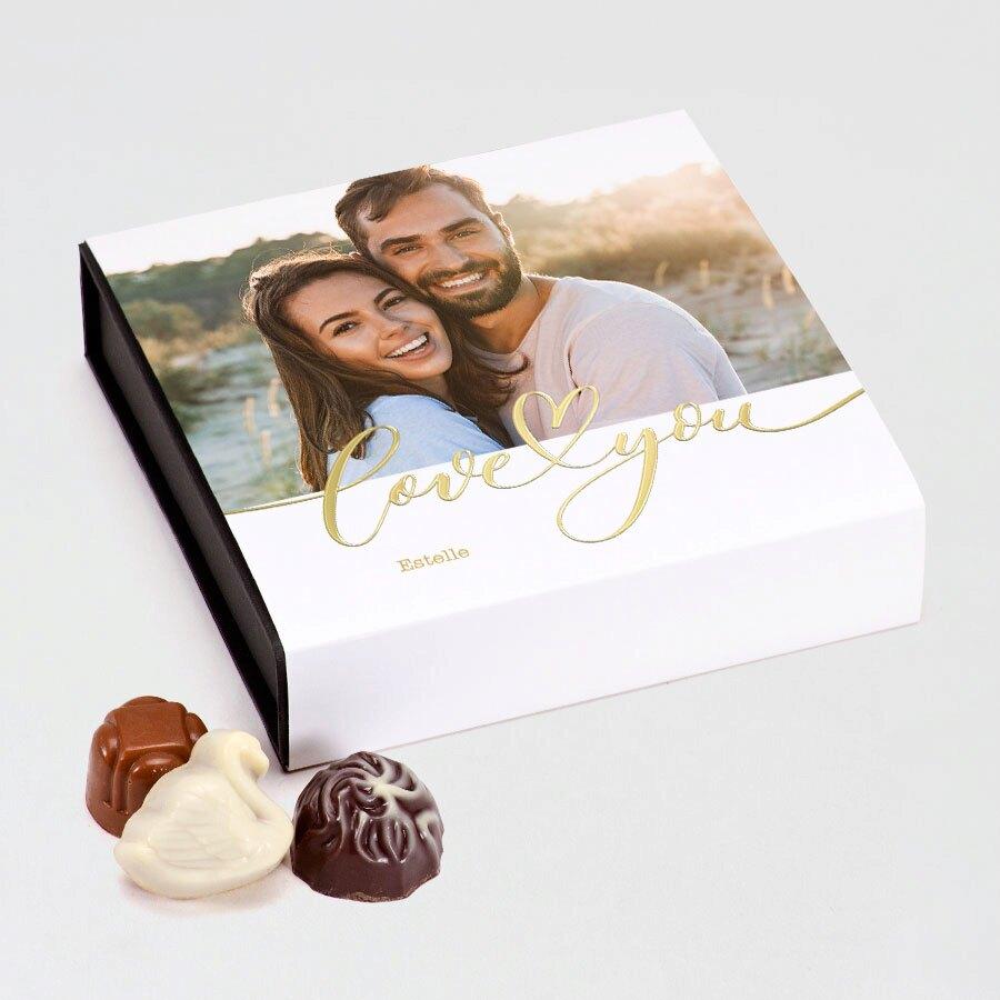 valentijn-bonbons-in-luxe-doos-love-you-TA13976-2000001-03-1