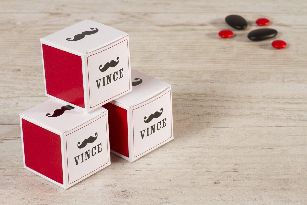 kubus-doosje-met-snor-rood-TA1575-1400063-15-1