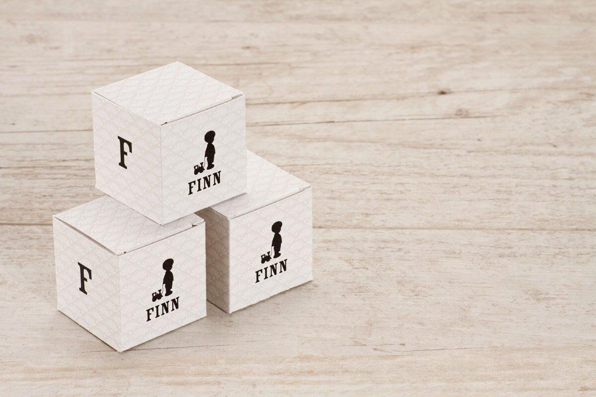kubus-doosje-met-initiaal-en-jongetje-TA1575-1600011-15-1