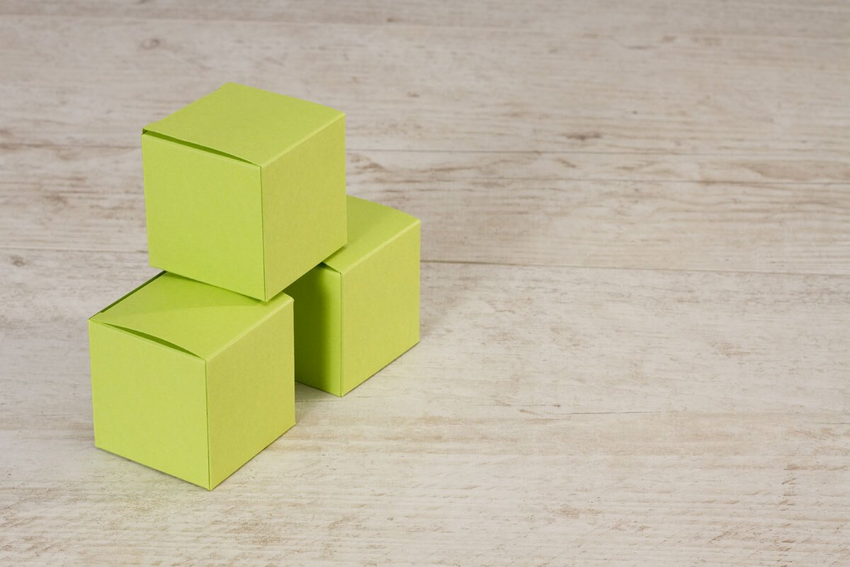 boite-a-dragees-naissance-cube-vert-pomme-buromac-710018-TA710-018-09-1