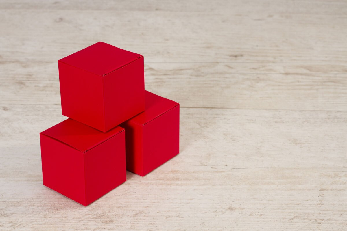 boite-a-dragees-naissance-cube-rouge-buromac-712023-TA712-023-09-1