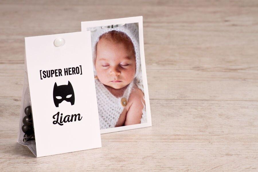 etui-a-dragees-naissance-masque-super-heros-buromac-749017-TA749-017-09-1