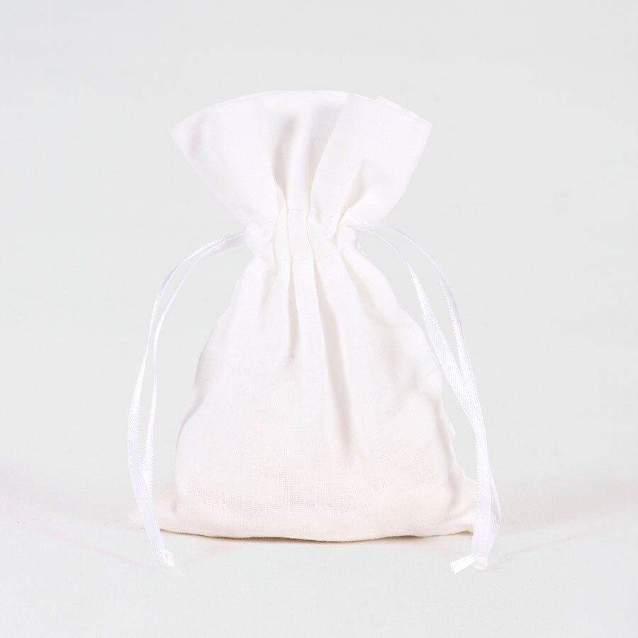 wit-stoffen-zakje-voor-doopsuiker-TA791-108-03-1